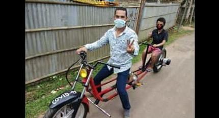Jaga Jarak Hindari Corona, Pria India Ubah Sepeda Motor Jadi Lebih Panjang