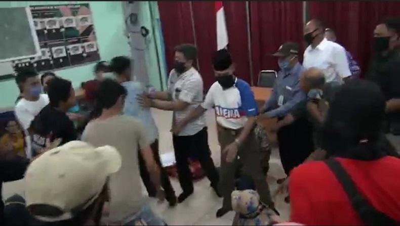 Protes Transparansi Dana Bansos di Malang, Ketua RW Nyaris Dihajar Warga