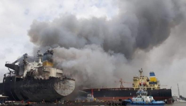 Kronologi Kapal Tanker MT Jag Leela Terbakar saat Docking di Galangan Belawan