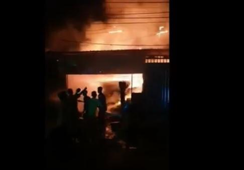 Hendak Tarawih, Toko Kelontong di Grobogan Terbakar, Beras PKH Ikut Ludes