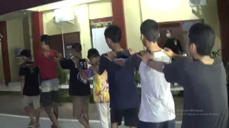 Tawuran Remaja di Makassar, Satu Orang Tewas Tertusuk Busur di Leher
