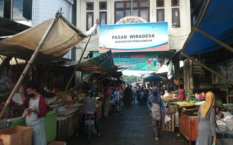 Pasar di Pekalongan Ramai, Pembeli: Covid-19 Memang Bahaya, namun Kami Harus Makan