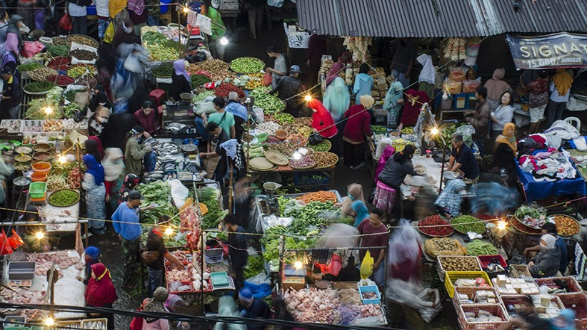 Ganjar Pranowo Akan Tutup Pasar hingga Mal yang Lalai Terapkan Protokol Covid-19