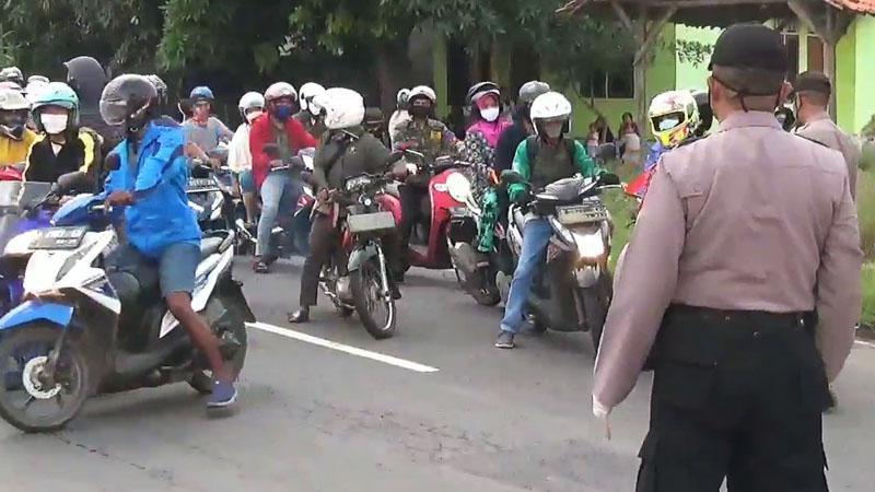 Ratusan Pemudik yang akan Kembali ke Jakarta Diputar Balik di Subang