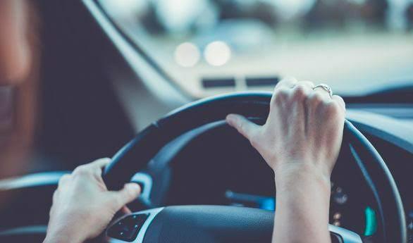 Perempuan Ini Ditangkap Kendarai Mobil Curian Berisi Emas Seharga Rp1,9 Miliar dan Ganja