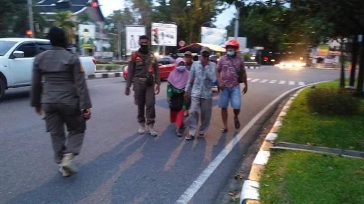 Satpol PP Padang Amankan Belasan Pengemis dan Anak Jalanan
