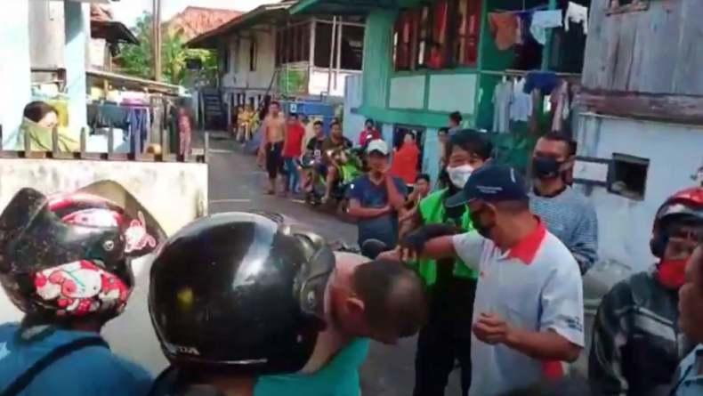 Kabur Tabrak Tukang  Ojek, Jambret di Palembang Babak Belur Dihajar Warga