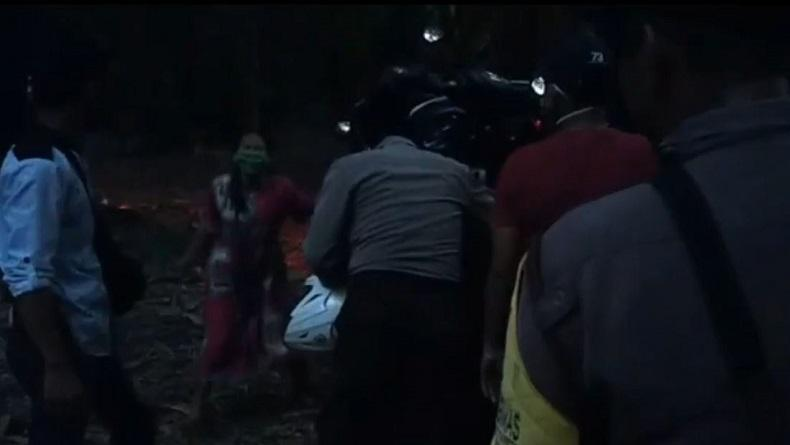 Judi Sabung Ayam di Maros Digerebek Polisi, Seratusan Pelaku Kabur ke Hutan Bambu