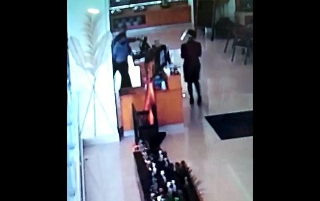 Tegur Anggota DPRD Jabar Tak Pakai Masker, Karyawan Hotel di Cianjur Dipukul Sopir