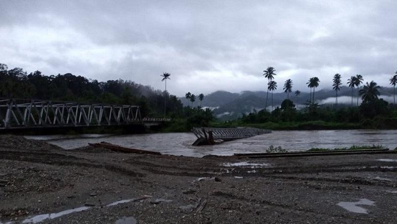 Diterjang Banjir, Jembatan Darurat di Seram Bagian Barat Terputus