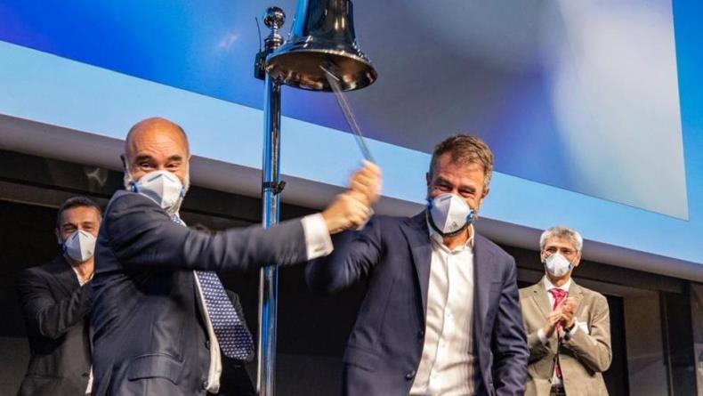 Perusahaan Masker Italia Go Public, Keluarga Scagliarini Jadi Miliarder