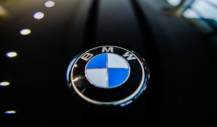 Dampak Covid-19, BMW Hentikan 10.000 Karyawan Kontrak dan Tunda Kerja Sama Mercy