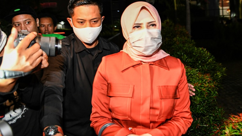 Diperiksa KPK, Istri Nurhadi Dicecar Proses Sewa Rumah Persembunyian Suami di Simprug Jaksel