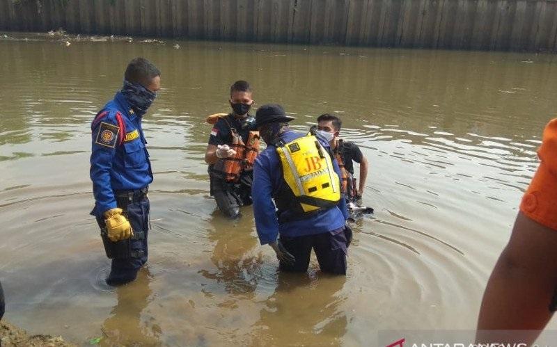 Tenggelam saat Berenang di Pintu Air Pesanggrahan, Anak 10 Tahun Ditemukan Tewas