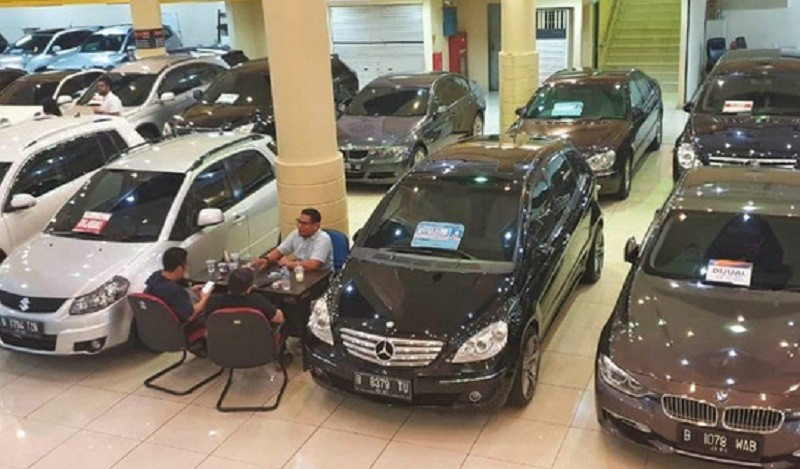 Pedagang Ngeluh Penjualan Mobil Bekas Online Lesu