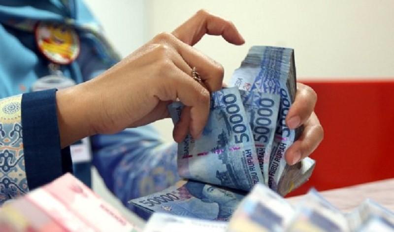 Survei: Pendapatan 76 Persen Masyarakat Indonesia Turun akibat Covid-19
