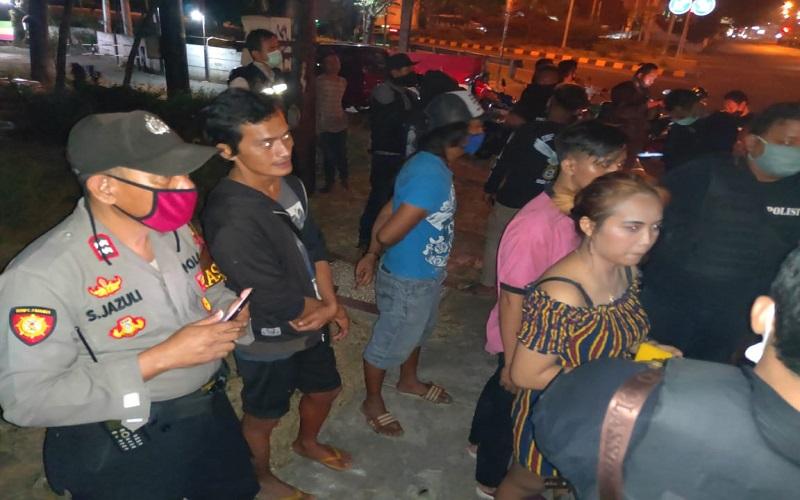 Asyik Boncengan dengan Pacar, Mahasiswa Semarang Ini Dikeroyok 5 Orang