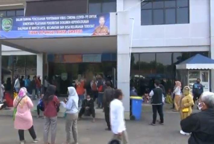 PPDB Zonasi, Warga Padati Disdukcapil Subang Ingin Ubah Alamat
