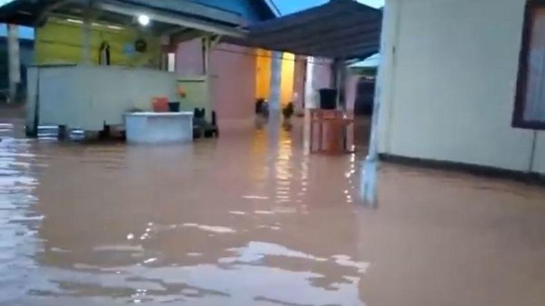 Ratusan Rumah di 2 Kabupaten di Maluku Utara Terendam Banjir, 4 Jembatan Rusak Parah