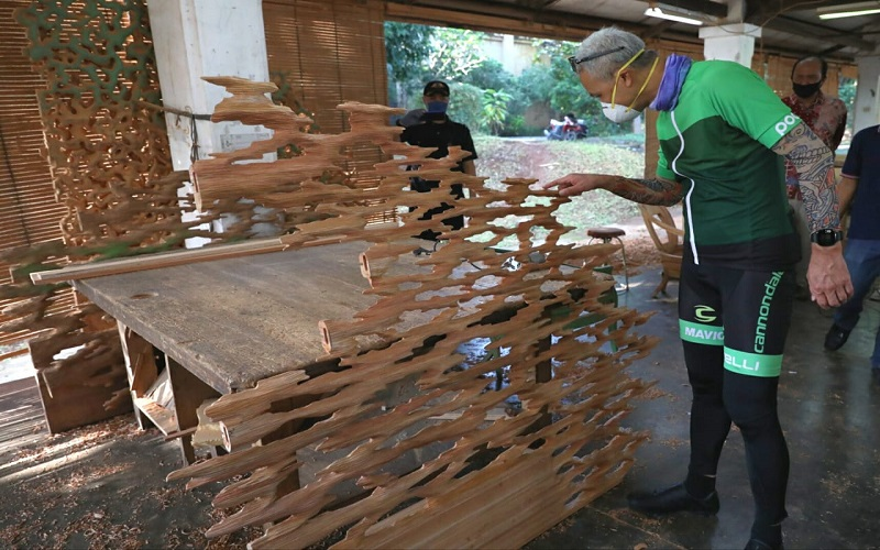 Intip Industri Furnitur Langganan Artis Hollywood, Ganjar: Saya Kira Pabrik Gula