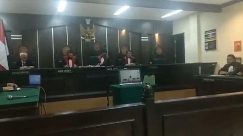 Anak yang Bunuh dan Cor Mayat Ayah di Musala Divonis 20 Tahun Penjara, Ibunya 10 Tahun