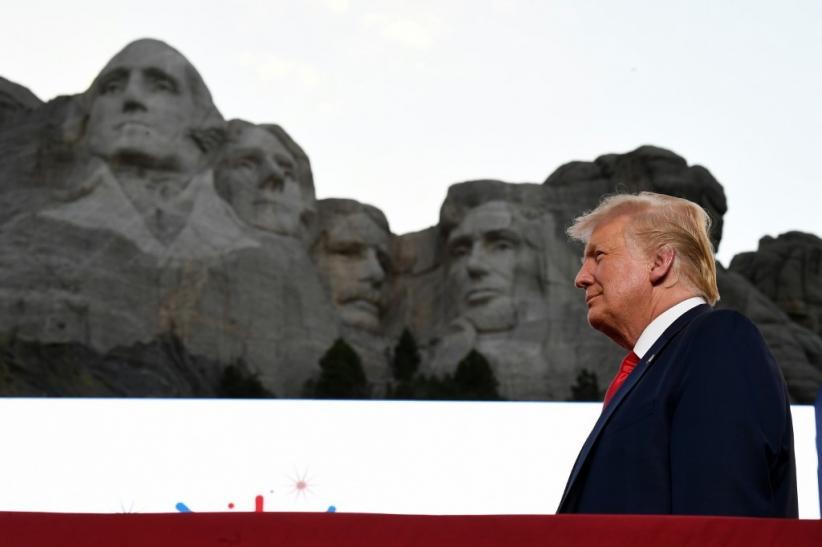 Pacar Donald Trump Jr Positif Covid-19
