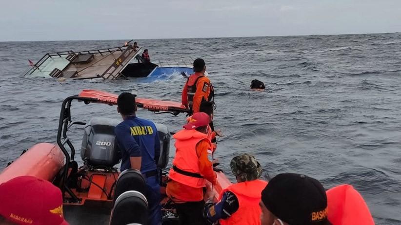 KLM Sahabat Muslim Tenggelam di Perairan Pagerungan Madura, 6 ABK Masih Dicari