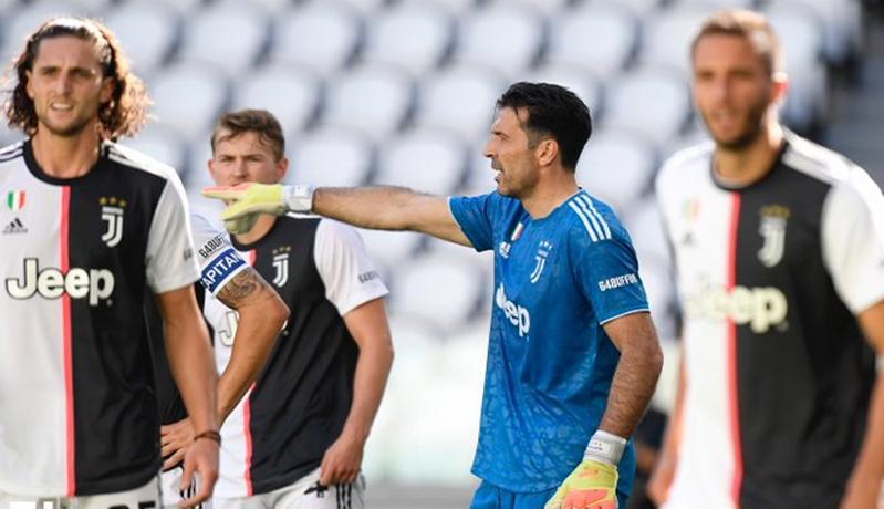 Juventus Vs Torino I Bianconeri Menang Telak Buffon Cetak Rekor