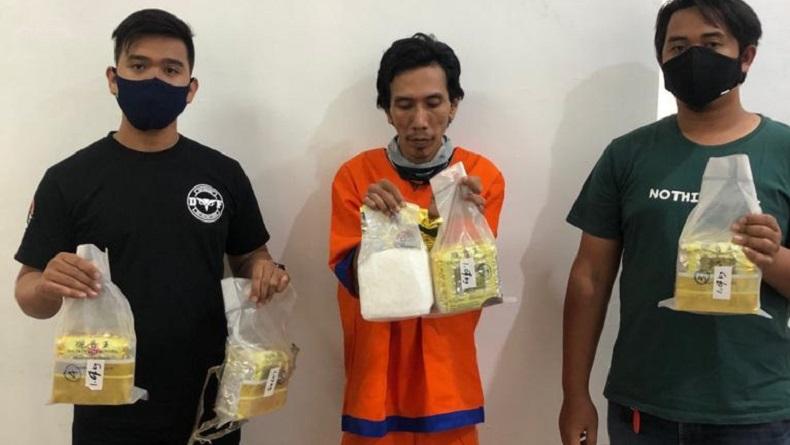 Polda Jatim Tangkap Bandar Narkoba di Jakarta, 5,3 Kg Sabu dalam Kemasan Teh China Disita