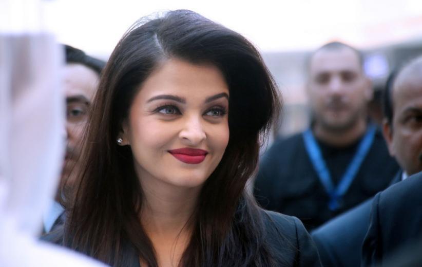 Bintang Cantik Bollywood Aishwarya Rai Positif Covid-19