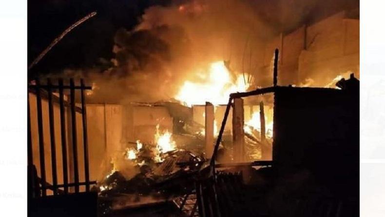 Kebakaran 10 Rumah Dinas Guru di Kleak Manado, Kepala Sekolah dan Suami Tewas