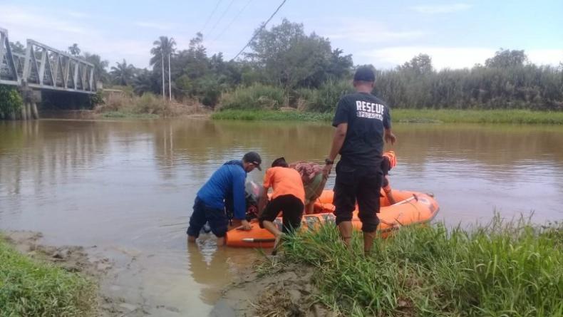 Cari Lokan di Habitat Buaya, Warga Agam Hilang Tenggelam