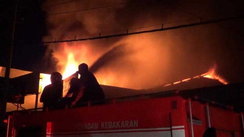 Gedung Multimedia SMA 3 Tanjungpinang Terbakar, Puluhan Laptop Ludes