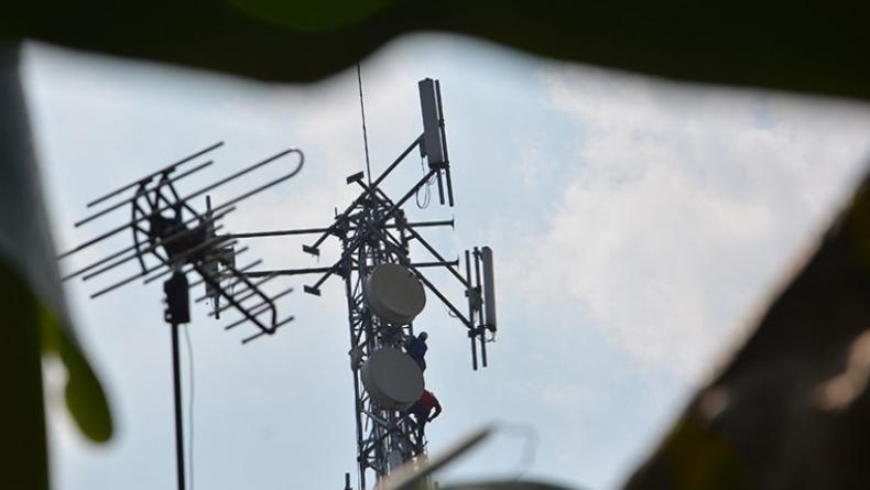 Pekerja Menara BTS di Padang Tewas Tersengat Listrik saat Ganti Baterai