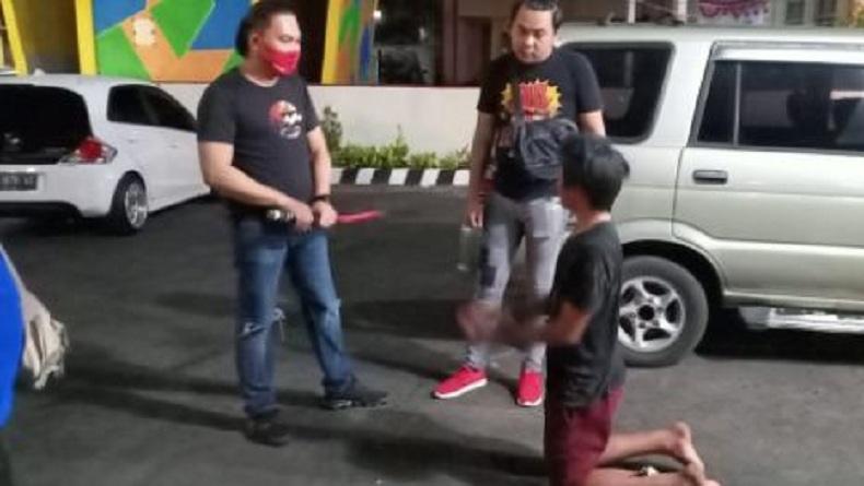 Tak Terima Ditegur, Remaja di Tomohon Ancam dan Kejar Polisi dengan Samurai