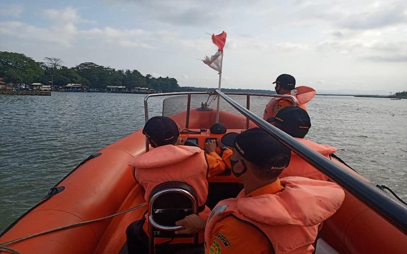 Kapal Miftha Rezky Bocor di Perairan Berakit Bintan, 7 ABK Masih Dicari
