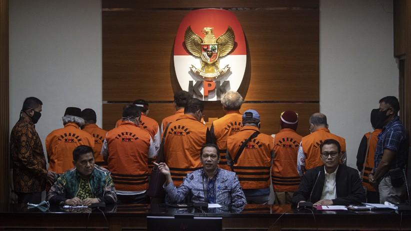 Terlibat Kasus Suap, 11 Mantan Anggota DPRD Sumut Kompak Pakai Rompi Tahanan KPK