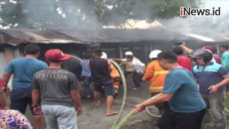 Hanya 15 menit, Puluhan Ruko di Sintang Rata Tanah Dilalap Api