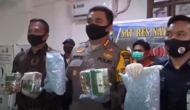 Polisi Amankan 15 Kg Sabu dan 20.000 Pil Ekstasi dari 3 pengedar Narkoba di Medan