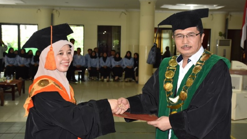 Menag Lantik Nyayu Khodijah, Rektor Perempuan Pertama UIN Raden Fatah Palembang