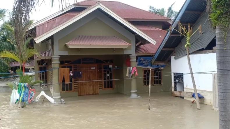 Derita Korban Banjir di Luwu Utara,  Permukiman Jadi Aliran Baru Sungai