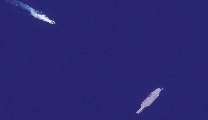 Iran Pindahkan Kapal Induk Tiruan USS Nimitz, Pertanda Latihan Perang Segera Dimulai