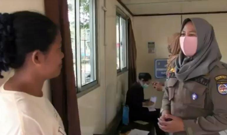 Tak Bisa Bayar Denda Razia Masker, Ibu di Depok Jadikan Anak sebagai Jaminan