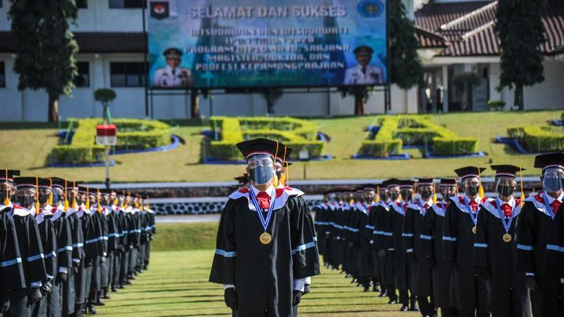 Foto-Foto Prosesi Wisuda 881 Praja IPDN Angkatan XXVII - Bagian 2