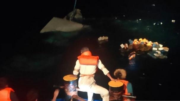 KLM Bukit Rahmat Tenggelam di Perairan Taliabu Sulteng, 30 Penumpang Selamat