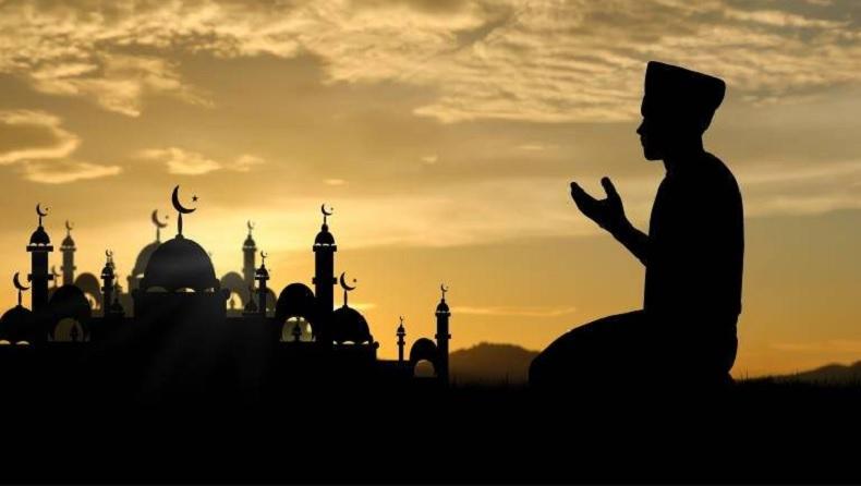 Bacaan Niat Puasa Arafah 9 Dzulhijjah, Ini Keutamaan-Keutamaannya