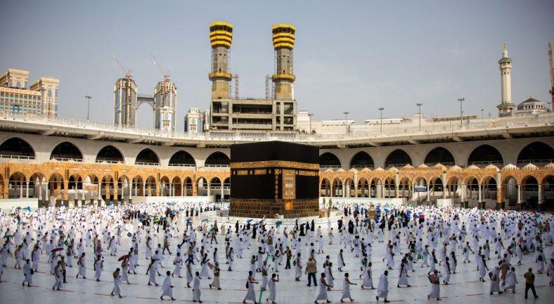 Arab Saudi Pantau Karantina 14 Hari Jemaah Haji melalui Gelang Elektronik