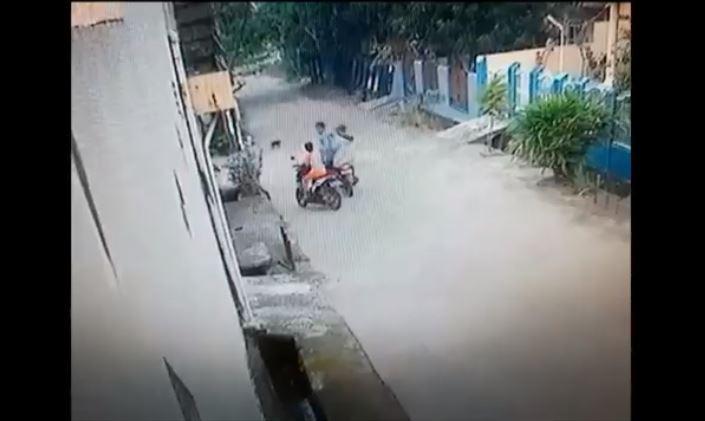 2 Pria Begal Anak saat Naik Motor di Palembang, Modus Pura-Pura Kenal