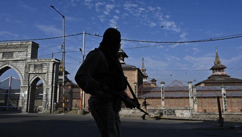 Tentara India Siaga Jelang 1 Tahun Pencabutan Otonomi Kashmir, Berlakukan Jam Malam