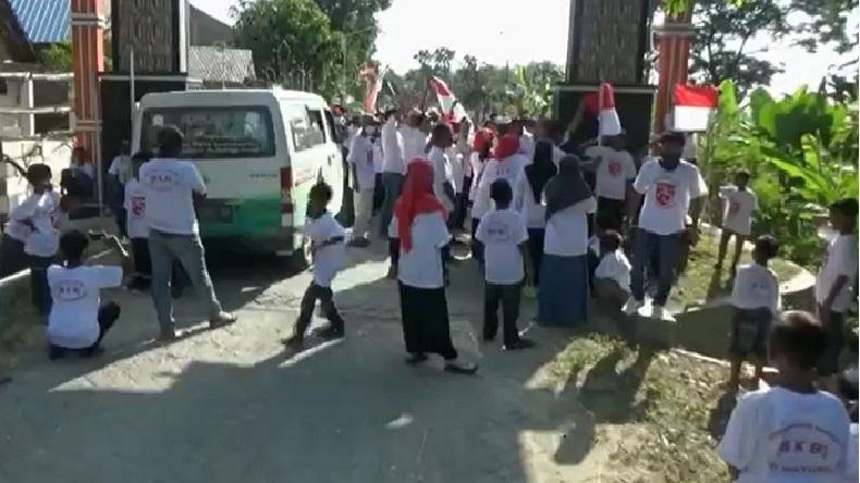 Bangkitkan Patriotisme, Warga Bojonegoro Kibarkan 1.000 Bendera Merah Putih di Jalan Desa